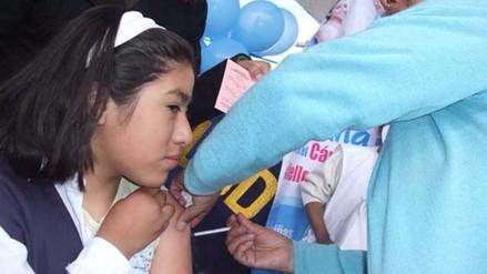 Huancayo: más de diez mil alumnas serán vacunadas contra el cáncer de cuello uterino