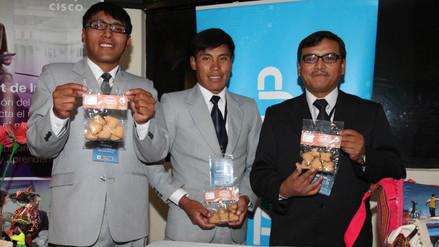 Galletas de harina de lombriz para combatir anemia en niños en Puno