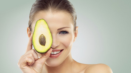 Cinco alimentos que realzarán tu belleza natural