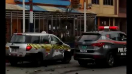 Video: patrullero inteligente chocó contra taxi en Zarate