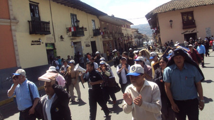 Administrativos del MP marcharon exigiendo incremento de salarios
