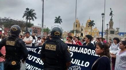 Trujillo: más de mil trabajadores del sector salud paralizaron labores