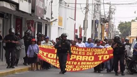 Trabajadores municipales protestan en rechazo a Ley Servir