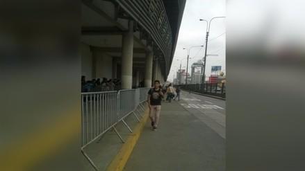 Bloquean pase peatonal fuera del Estadio Nacional a vísperas de Eliminatorias