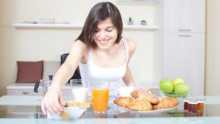 Desayunar abundantemente potencia la fertilidad femenina