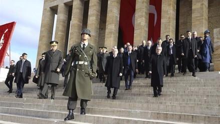 Turquía ve más cerca una operación terrestre contra los yihadistas en Siria