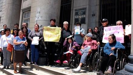 Pacientes con Pie Diabético reclaman medicinas al Hospital Loayza