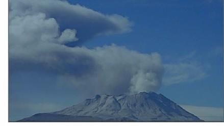 Nueva explosión del Ubinas genera caída de cenizas