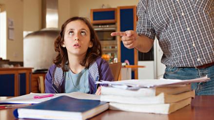Exigir a los hijos notas muy altas puede afectar su rendimiento académico