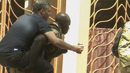 Mali: imágenes del rescate de rehenes en hotel Radisson