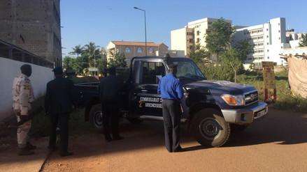 Bamako: unos veinte indios entre los rehenes del hotel Radisson