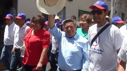 César Acuña arribó a Arequipa para realizar campaña electoral