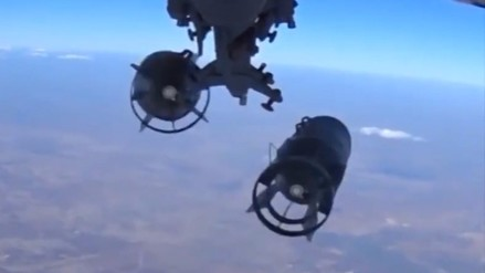 Siria: aviones rusos lanzan casi medio millar de ataques contra terroristas