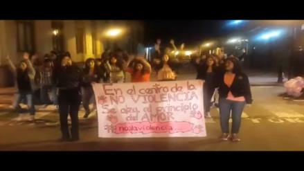 """Adolescentes se unen a campaña """"No Violencia Contra la Mujer"""""""