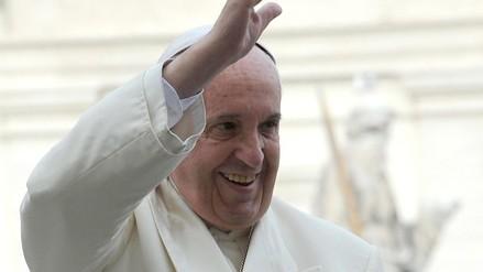 Así será el vestuario que usará el papa Francisco en África