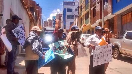 Nacionalistas se enfrentaron durante protesta contra director del PELT