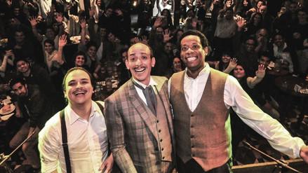 Los Juanelos versionan 'El Totó' con baile incluído a Jefferson Farfán