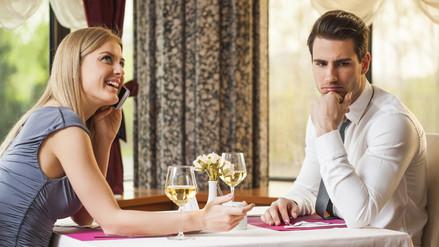 6 cosas que no debes hacer si sales con el chico que te gusta