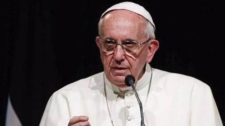 Papa reclama un modelo económico responsable para acabar con la pobreza