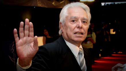 Hospitalizan al legendario cantante Enrique Guzmán