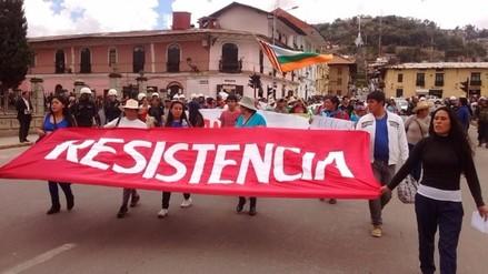 Gobernador regional de Cajamarca encabezó marcha contra empresa minera