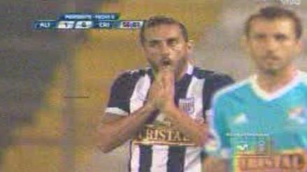 Alianza Lima vs. Sporting Cristal: Manco realizó jugadón, pero Guevgeozián definió mal