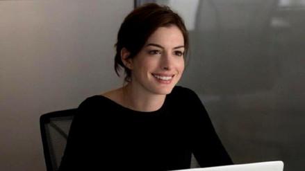 Anne Hathaway está embarazada por primera vez