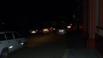 Delincuentes aprovechan corte de luz para asaltar a transeúntes