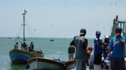 Realizan intensa búsqueda de pescadores desaparecidos en alta mar