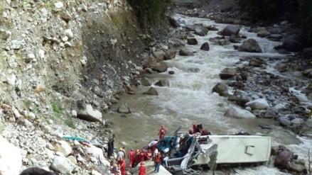 Mineros hallan a mujer muerta a orillas del río de Ayapata