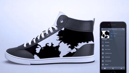 Diseñan una zapatilla que cambia de apariencia  gracias a una aplicación