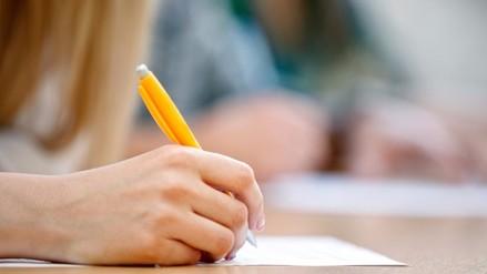 Colegios no pueden condicionar exámenes a pago de pensiones