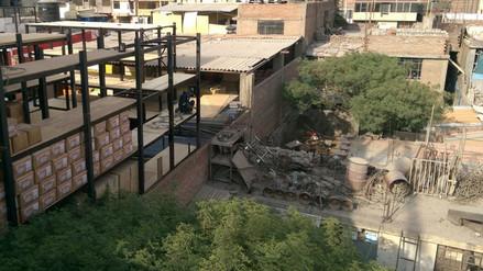 Denuncian construcción metálica de cinco pisos sin autorización y seguridad