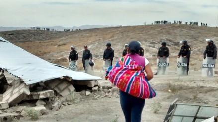 Invasores son desalojados de terrenos en Mariano Melgar