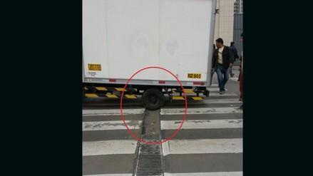 Mal estado de pistas perjudican a conductores en Centro de Lima