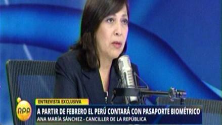 Canciller admite demora en emisión de pasaporte biométrico