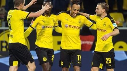 Borussia Dortmund venció 2-1 a Wolfsburgo y sigue peleando la Bundelisga