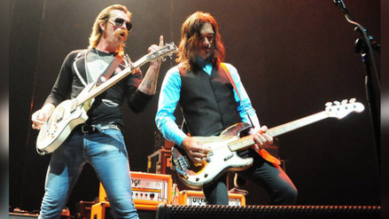 ¿Eagles of Death Metal actuará con U2 en París?
