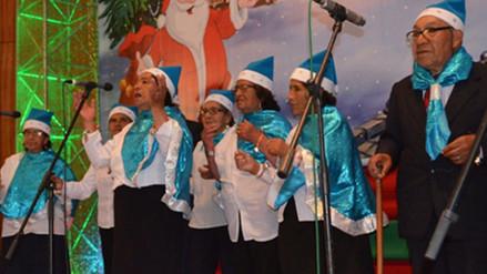 Huancayo: adultos mayores participan de festival de villancicos navideños
