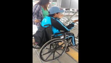 Discapacitados afectados por falta de ascensores en la estación Grau del tren eléctrico