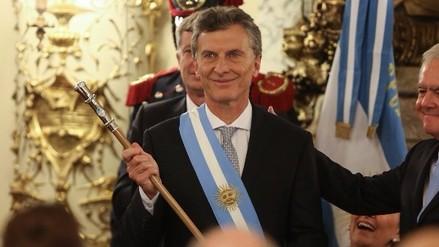 Macri asume la presidencia de Argentina y llama a la unidad