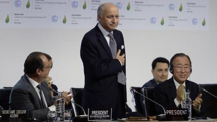 COP21: Cumbre de París aprueba histórico acuerdo contra el cambio climático