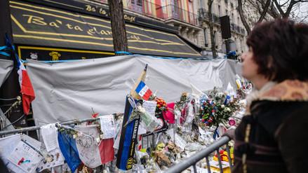 Francia recuerda atentados de París a un mes de la masacre