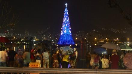 Río de Janeiro: encienden el árbol de Navidad flotante más alto del mundo