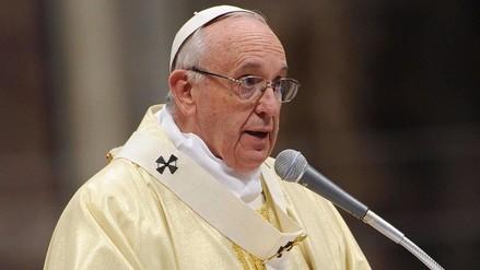 El papa pide gestos concretos para los encarcelados, emigrantes y parados