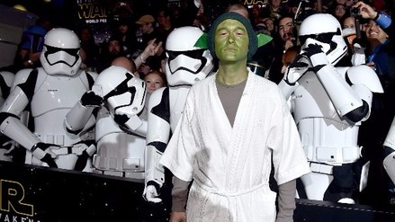 Star Wars: Famosos que se disfrazaron en la premiere de 'The Force Awakens'