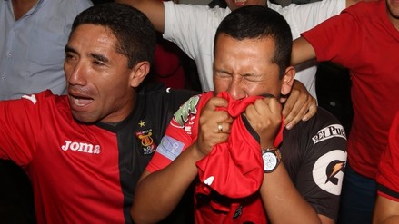 Melgar: hincha lloró al ver campeonar a su equipo por primera vez (VIDEO)