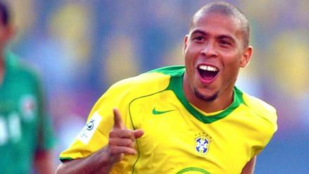 Ronaldo muestra su barriga y solo nos queda el recuerdo de su etapa goleadora