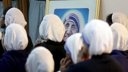 """Madre Teresa de Calcuta, la santa de """"los más pobres entre los pobres"""""""