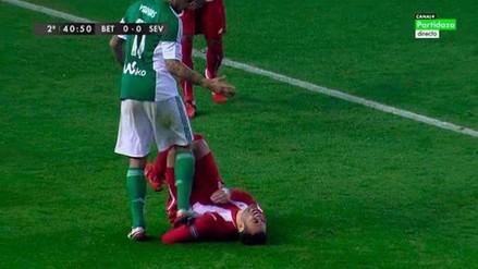 Facebook: Juan Vargas pisó de manera artera a jugador del Sevilla